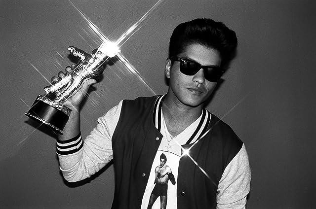 Bruno Mars in 2011 MTV Video Music Awards (2011)