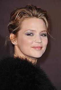 Aktori Virginie Efira