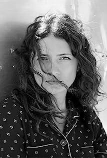 Aktori Karina Deyko