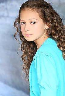 Nicolette Pierini Picture