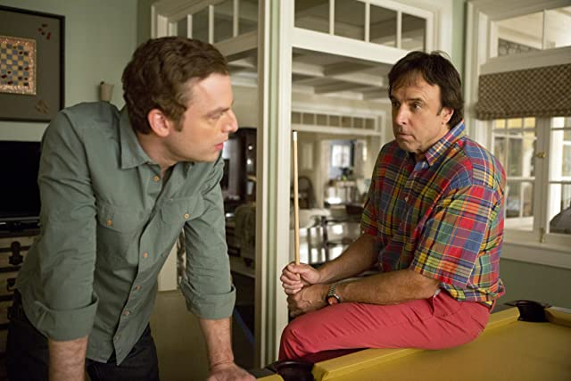 Justin Kirk and Kevin Nealon in Weeds (2005)