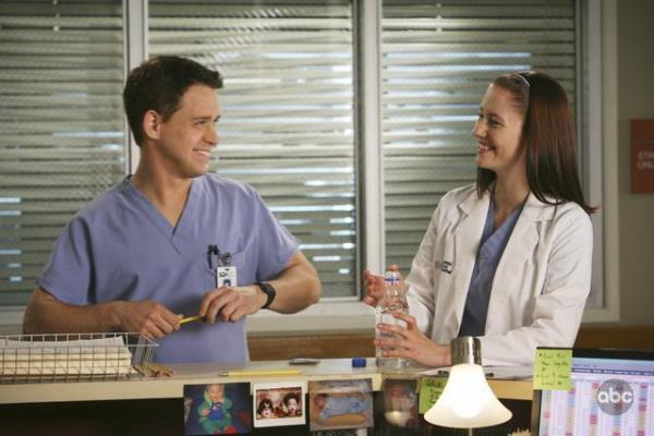 Chyler Leigh and T.R. Knight in Grey's Anatomy (2005)
