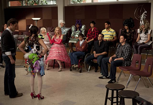 Lea Michele, Naya Rivera, Mark Salling, Dijon Talton, Matthew Morrison, Harry Shum Jr., Cory Monteith, Dianna Agron, Chris Colfer, Jenna Ushkowitz, Amber Riley, and Heather Morris in Glee (2009)