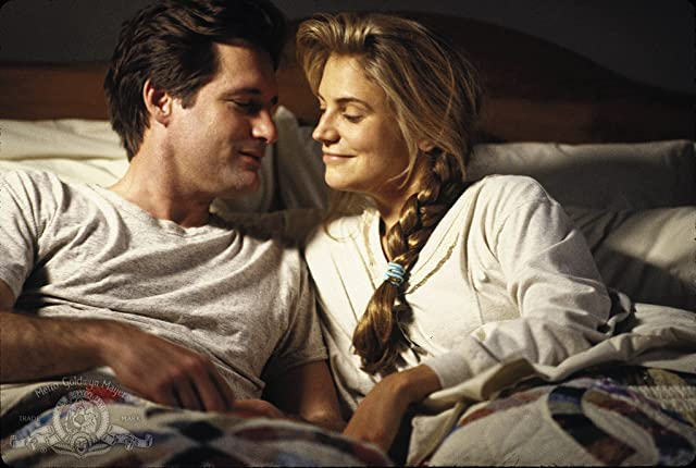 Bill Pullman and Harley Jane Kozak in The Favor (1994)