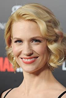 January Jones - 2017 Light Blond hair & chic hair style. Current length:  short hair (ear length)