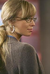 Aktori Britt Irvin