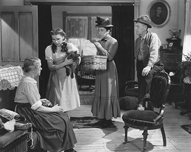Judy Garland, Margaret Hamilton, Clara Blandick, Charley Grapewin, and Terry in The Wizard of Oz (1939)