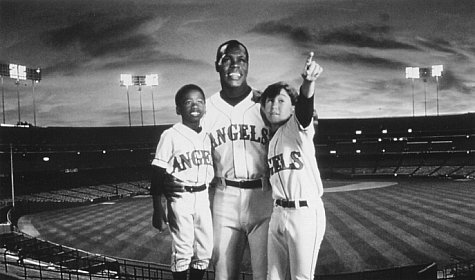 Danny Glover, Milton Davis Jr., and Joseph Gordon-Levitt in Angels in the Outfield (1994)
