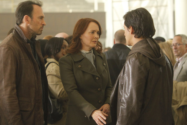 Laura Innes and Scott Patterson in The Event (2010)