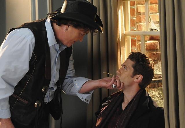 Dot-Marie Jones and Matthew Morrison in Glee (2009)