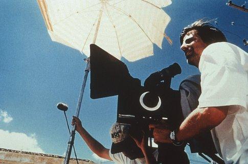 Walter Salles in Abril Despedaçado (2001)