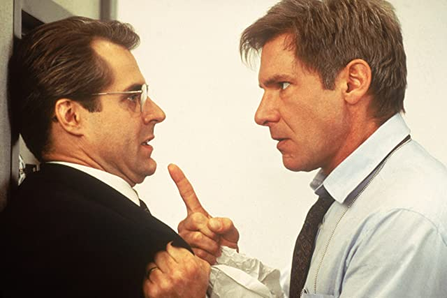 Harrison Ford and Henry Czerny in Clear and Present Danger (1994)
