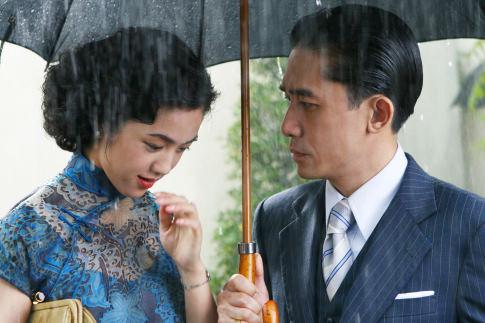 Tony Chiu Wai Leung and Wei Tang in Lust, Caution (2007)