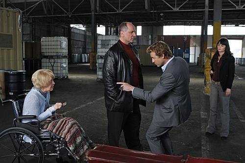 Robin Tunney, Simon Baker, K Callan, and John Kapelos in The Mentalist (2008)