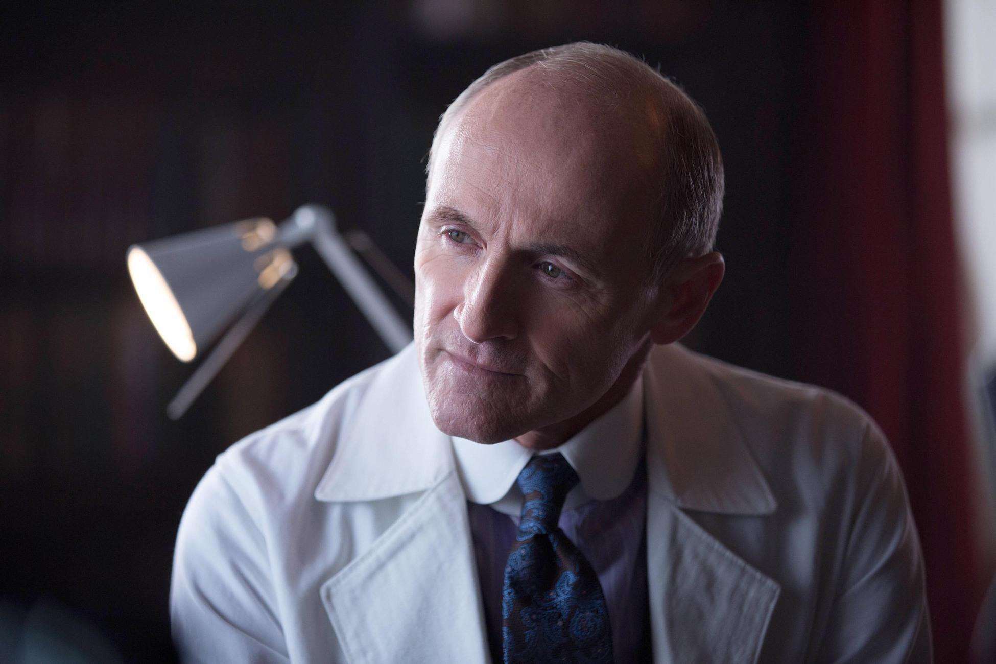 Gotham: Everyone Has a Cobblepot   Season 1   Episode 18