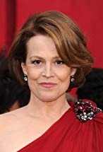 Sigourney Weaver's primary photo