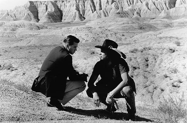Val Kilmer and Graham Greene in Thunderheart (1992)