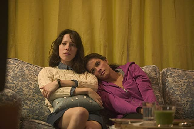 Amanda Peet and Rebecca Hall in Please Give (2010)
