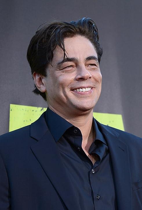 Benicio Del Toro at Savages (2012)