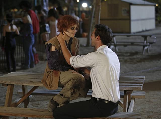 Zooey Deschanel and David Walton in New Girl (2011)