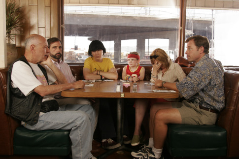 Alan Arkin, Toni Collette, Greg Kinnear, Steve Carell, Paul Dano, and Abigail Breslin in Little Miss Sunshine (2006)