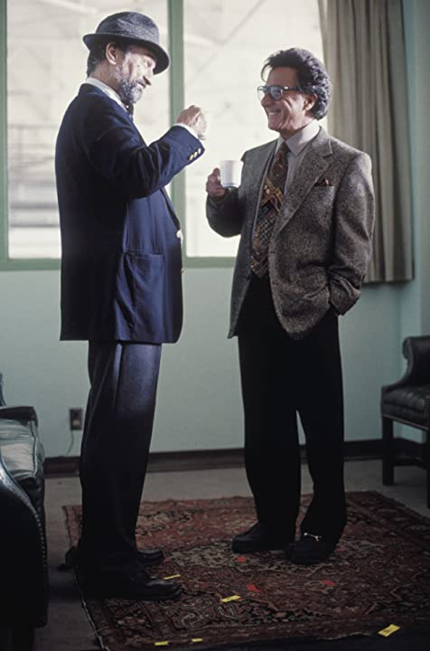 Robert De Niro and Dustin Hoffman in Wag the Dog (1997)