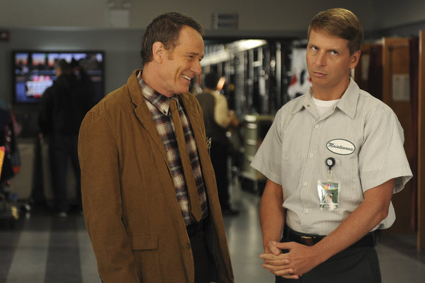 Bryan Cranston and Jack McBrayer in 30 Rock (2006)