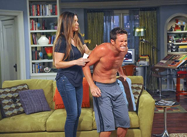 Oliver Hudson and Bianca Kajlich in Rules of Engagement (2007)