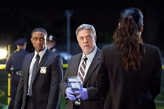 Bruce McGill and Lee Thompson Young in Rizzoli & Isles (2010)