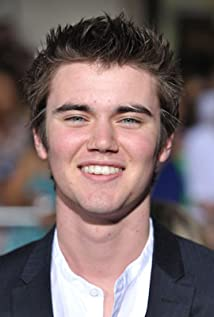 Cameron Bright Picture