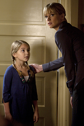 A.J. Cook and Anna Clark in Criminal Minds (2005)