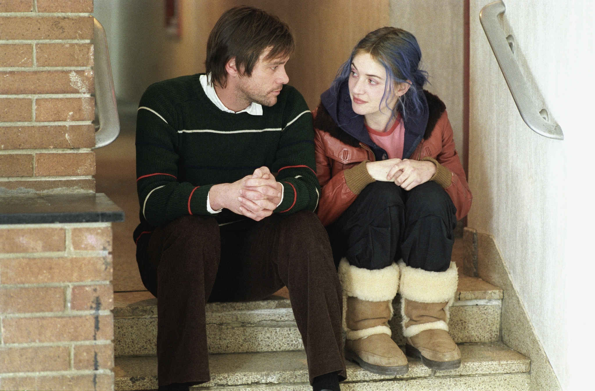 tom hooper 10 great love stories on film  jim carrey and kate winslet in eternal sunshine of the spotless mind 2004
