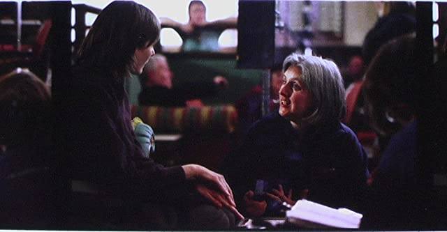 Emily Mortimer and Shona Auerbach in Dear Frankie (2004)