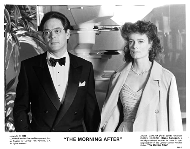 Raul Julia and Diane Salinger in The Morning After (1986)