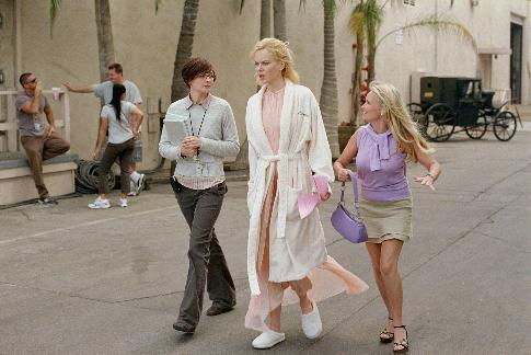 Nicole Kidman, Heather Burns, and Kristin Chenoweth in Bewitched (2005)