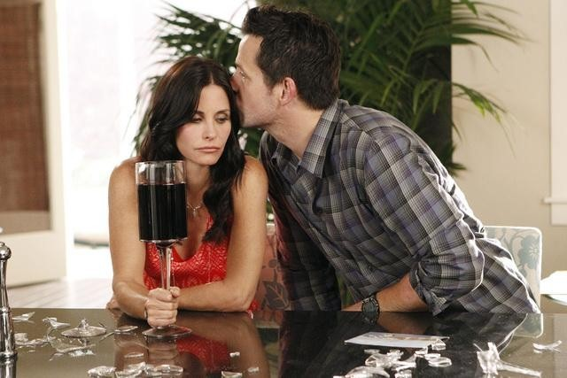Courteney Cox and Josh Hopkins in Cougar Town (2009)