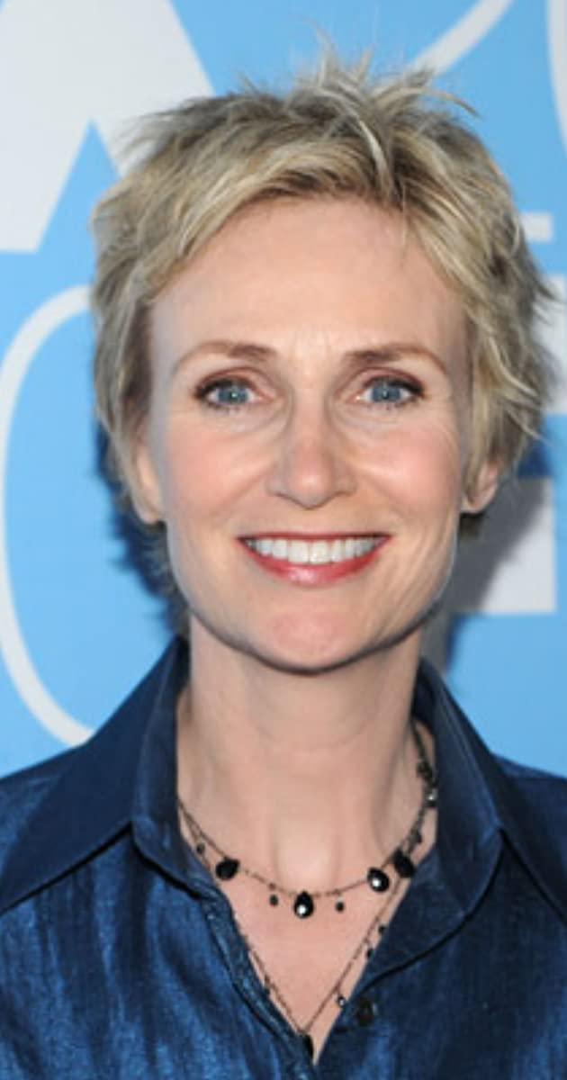 jane lynch height