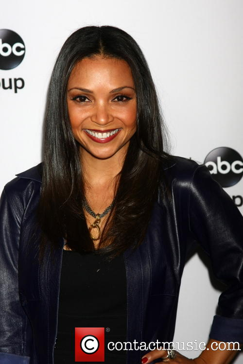 danielle nicolet height