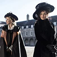 Kate Beckinsale and Chloë Sevigny in Love & Friendship (2016)