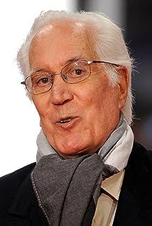 Aktori Federico Luppi