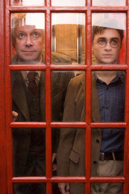 Daniel Radcliffe and Mark Williams in Harry Potter and the Order of the Phoenix (2007)