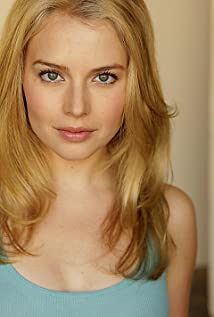 Aktori Kelly Curran