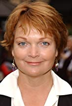 Pamela Reed's primary photo