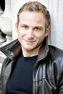 Aktori Victor Pontecorvo
