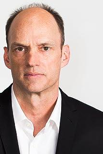 Aktori Brian Stepanek