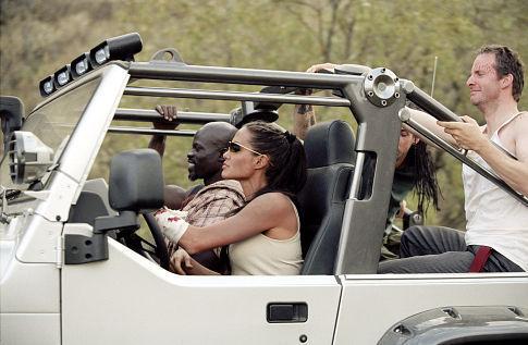 Angelina Jolie, Djimon Hounsou, Chris Barrie, and Noah Taylor in Lara Croft Tomb Raider: The Cradle of Life (2003)