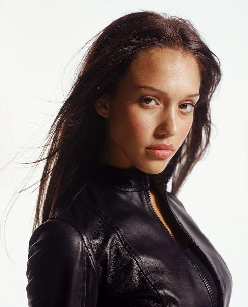 Jessica Alba in Dark Angel (2000)
