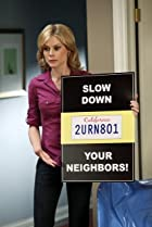 Image of Modern Family: Slow Down Your Neighbors