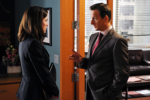 Julianna Margulies and Josh Charles in The Good Wife (2009)