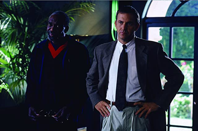 Kevin Costner and Bill Cobbs in The Bodyguard (1992)